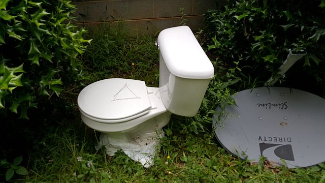 toilet 640x360